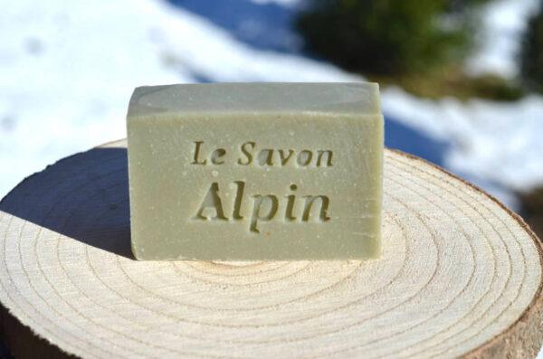 Savon solide et naturel à l'huile essentielle de sapin des Alpes