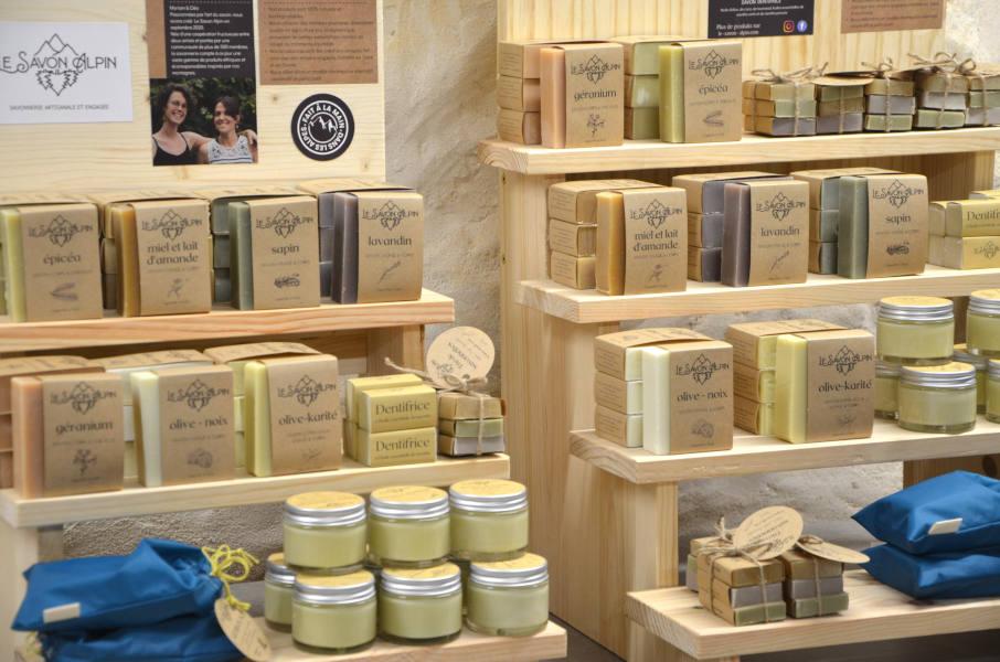 Présentoir à savons artisanaux Le Savon Alpin